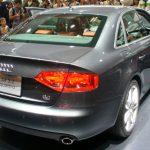 新型AUDI A4の対象は年収1400万の高所得ファミリー世帯