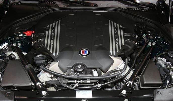 BMWアルピナのエンジン(特徴やスペック)