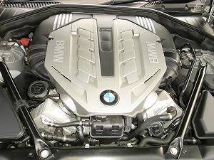 N62B48B型V8エンジン